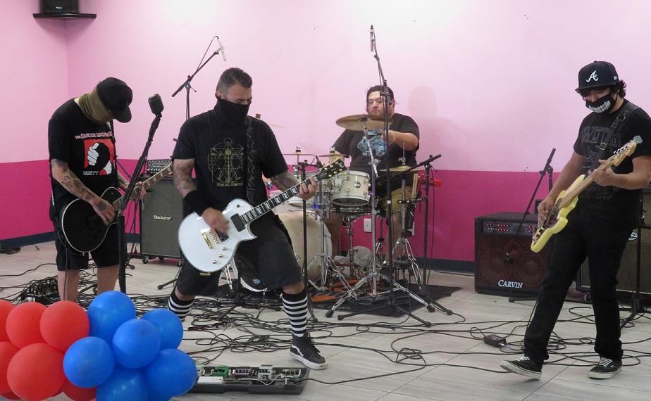 'Jamming for Luis' Raises $1,500 for Rosas Family