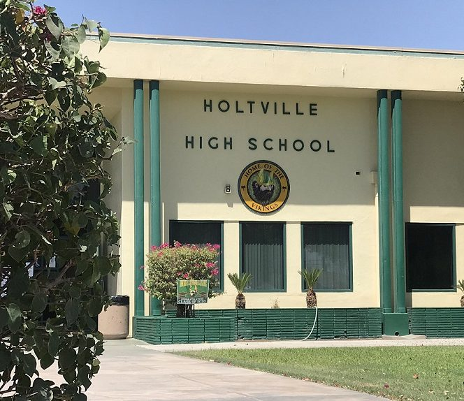 Holtville Unified Set for Students to Return Online